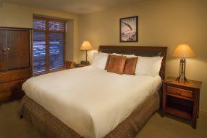 201-bedroom-Caven-2018-300x200.jpg