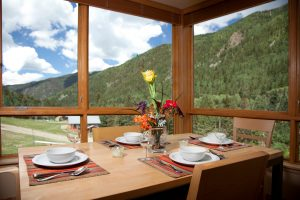 207-Caven-dining-room-300x200.jpg