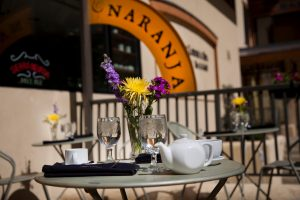 Cafe-Naranja-table-300x200.jpg