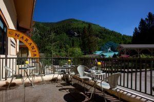 Cafe-Naranja-patio-300x200.jpg